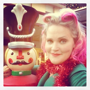 Pink hair all ready for Woodford! The Betties also had some lovely christmas sing-time in the Queen Street Mall.